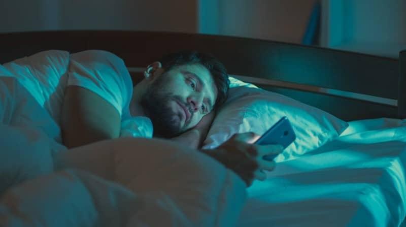โรคนอนไม่หลับ (Insomnia): อาการ สาเหตุ การรักษา