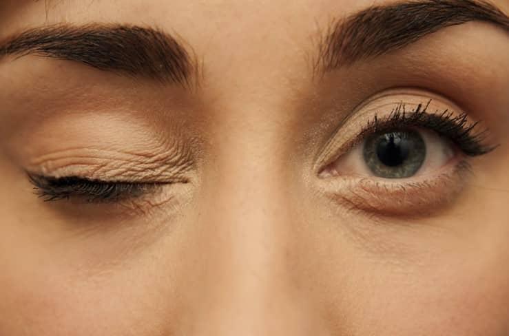 ตากระตุก (Eye Twitch) : อาการ สาเหตุ การรักษา