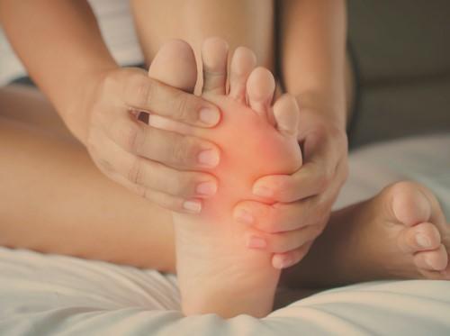 เท้าบวม (Swollen Feet) อาการ สาเหตุ การรักษา
