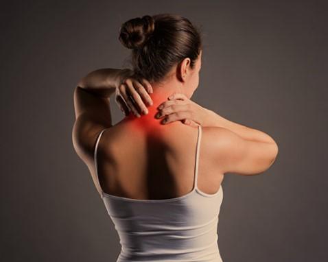 ปวดต้นคอ (Neck Pain) : อาการ สาเหตุ การรักษา