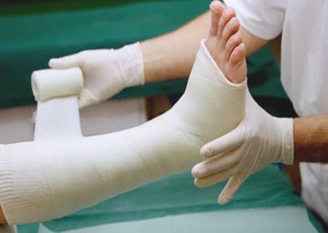 กระดูกหัก (Bone Fracture) : อาการ สาเหตุ การรักษา