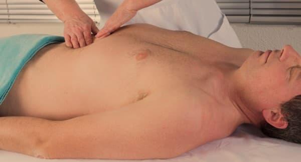 ไส้เลื่อนกระบังลม (Hiatal Hernia) : อาการ สาเหตุ การรักษา